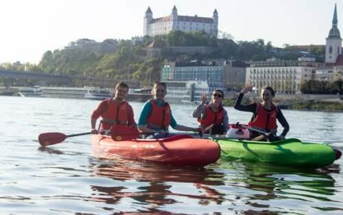 Splav Dunaja cez Bratislavu
