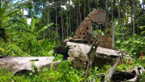 Airplane wreck, Yamamoto