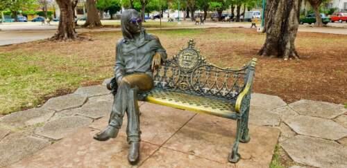 Socha Johna Lennona