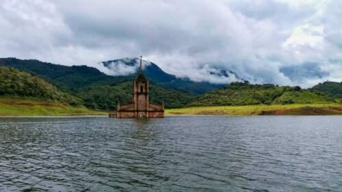 Potopený kostol