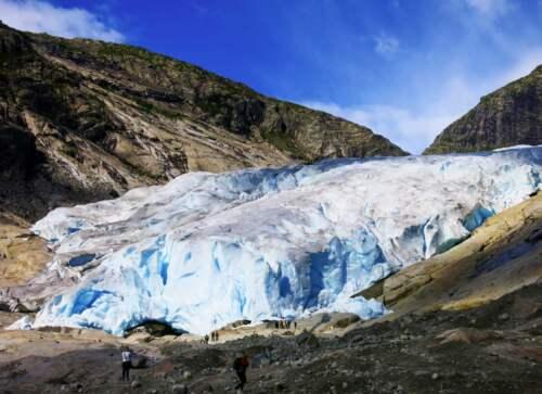 modrá ľadovcová jaskyňa