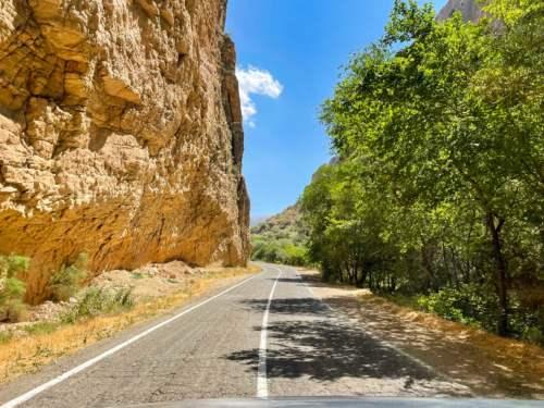 cesta ku kláštoru Noravank